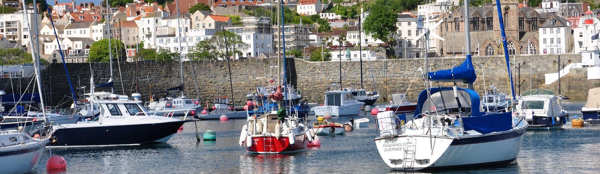 Reisen Sie mit uns zu den Kanalinseln.